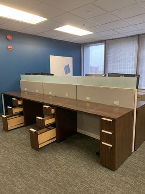 Desk (hot desk) station with glass barriers for Sale in Silver Spring, MD