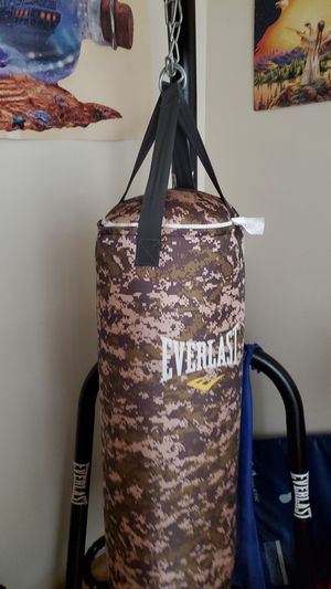 Punching bag for Sale in Brooklyn, NY