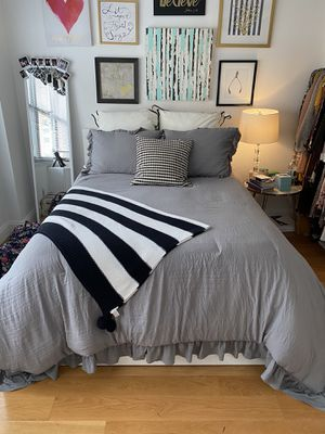 IKEA malm high bed frame with 4 storage boxes for Sale in New York, NY