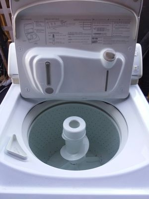 Like new Maytag washing machine for Sale in Missoula, MT