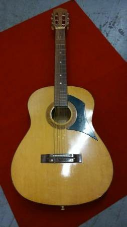 Teisco Checkmate G 116 Vintage Classical Nylon String Guitar for Sale in Irvine, CA