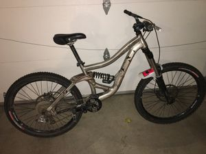 Specialized big hit 2.0 downhill/trail mt bike for Sale in Mukilteo, WA