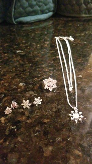Snowflake jewelry set for Sale in St. Petersburg, FL