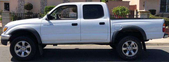2003 Toyota Tacoma Excellent & Very Clean for Sale in Wichita,  KS