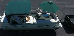 2006 Manitou Legacy Pontoon Boat__very clean for Sale in St. Louis, MO