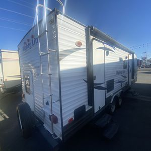 2016 Mighty Lite 2210 Bunk Travel Trailer for Sale in Colton, CA