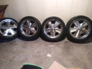 22 inch Toyo proxes s/t with Chrome Limited rims for Sale in Southfield, MI