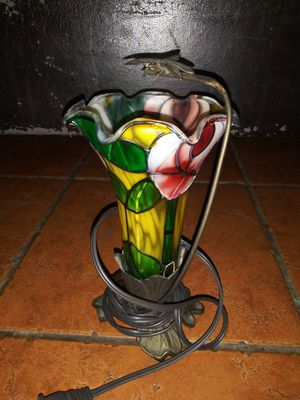 Beautiful vintage stain glass dragon fly flower lamp for Sale in Hawthorne, CA