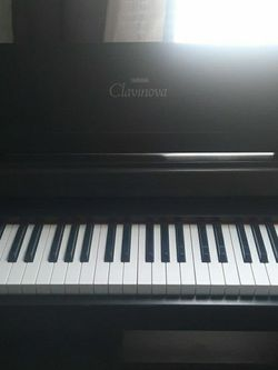Yamaha Clavinova Clp-1225 Piano for Sale in Spring,  TX