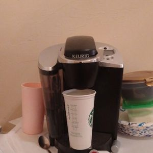 Keurig One Cup Coffee Maker for Sale in Pittsburgh, PA
