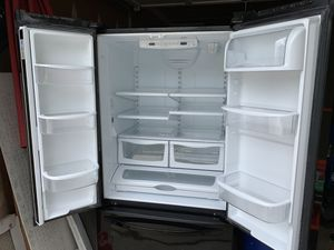 Black French Door Fridge with water and ice for Sale in Ashburn, VA