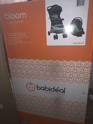 Car seat/ stroller combo for Sale in Lansing, MI