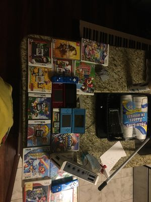 3ds dsi wii with wii remote comes with 6 ds/3ds games an 6wii games for Sale in Alexandria, VA