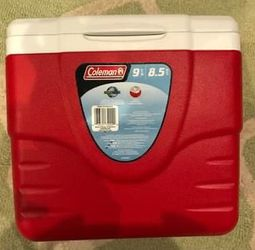 Coleman Excursion Portable Cooler, 9 Quart for Sale in Kirkland,  WA