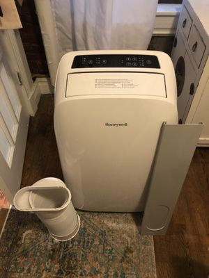Honeywell, 10,000 BTU, Black/White Portable Air Conditioner for Sale in New York, NY