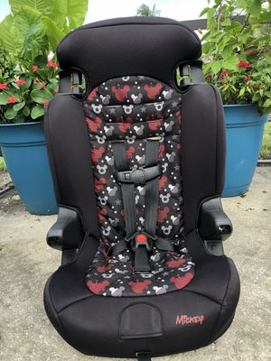 Disney Mickey Mouse Combination Car Seat to Booster 30-100lbs for Sale in West Palm Beach, FL