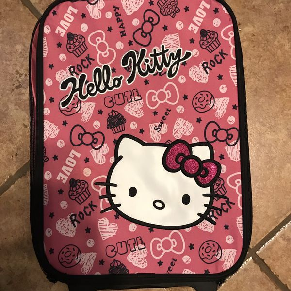 Cute Hello Kitty Rolling Suitcase w/matching doll