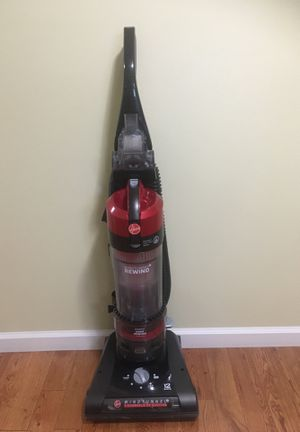 Vacuum cleaner. Hoover wind tunnel. for Sale in Auburn, WA