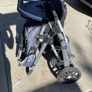 Baby Stroller With Bassinet - Uppababy vista V1 for Sale in Sunnyvale, CA