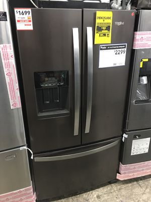 Whirlpool French door refrigerator with year manufacture warranty for Sale in Pomona, CA
