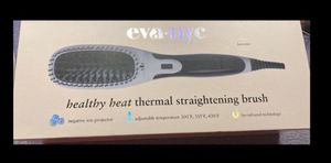 EVA-NYC HAIR STRAIGHTENING BRUSH for Sale in Winter Haven, FL