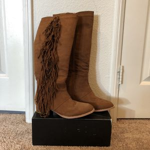 Brown Faux Suede Below the Knee Boots w/ Fringe (Women's Size 6) for Sale in San Diego, CA