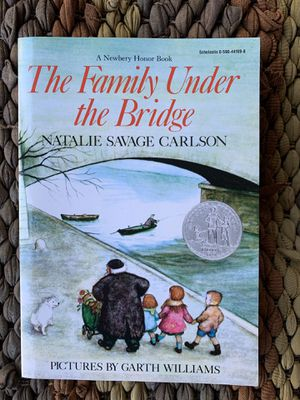 Class set - The Family Under the Bridge by Garth Williams for Sale in Spring Valley, CA