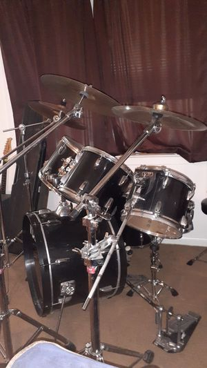 Tama swingstar! 500, OBO. all symbols and stands, double pedals, sticks.extra snare head and kick head, the extra heads are remo's. for Sale in Savannah, GA
