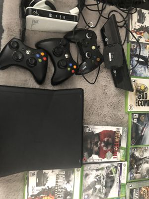 Xbox 360 w/ 18 games, Wireless headset, Kinect & 3 controllers for Sale in Walkersville, MD