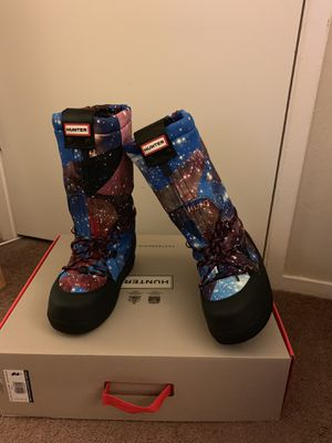 100% Authentic Brand New in Box Hunter Original Space Camo Snow Boots / Color: Midnight Blue / Women US Size 6 (EU 37) for Sale in Walnut Creek, CA