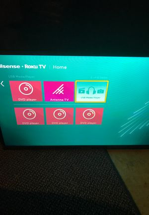 Roku tv hi sense with remote for Sale in Eau Claire, WI