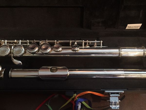 Yamaha 221 Flute With carrying case