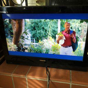 "Toshiba 26HL47 26"" 720p LCD Television for Sale in Fairfax, VA"