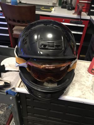 Snow mobile helmet Bell Large for Sale in McHenry, IL