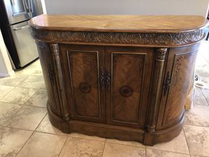 Curved buffet/cabinet for dining room room or living room. for Sale in Fort McDowell, AZ