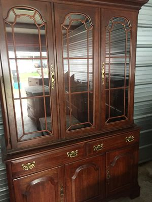 China cabinet (Pennsylvania House) for Sale in Clarksburg, WV