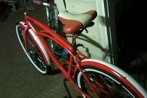 Custom red cruiser bike for Sale in Portland, OR