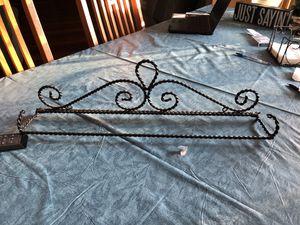 Towel rack—pretty; decorative for Sale in Hammonton, NJ