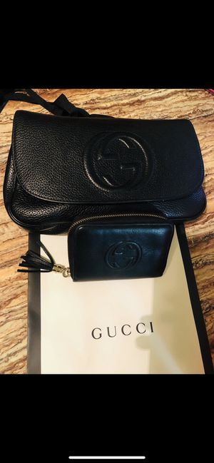 GUCCI PURSE AND WALLET FOR $900 EXCELLENT CONDITION (LIKE NEW) for Sale in Melvindale, MI