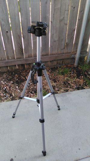 Amazon basics camera tripod for Sale in Hawthorne, CA