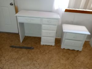 Antique bedroom set 4 piece as is needs touchup for Sale in Banning, CA