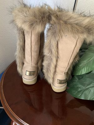 Ugg's size 7 for Sale in Plant City, FL