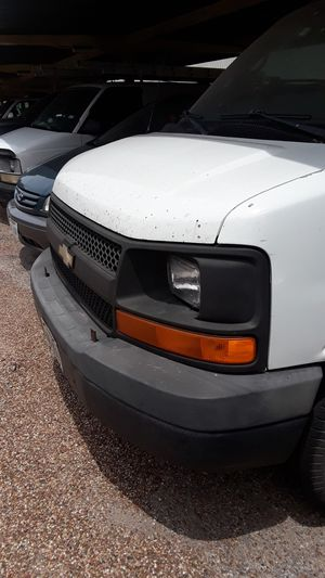 Chevy Express 2500 v8 for Sale in Houston, TX