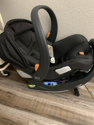 Chicco fit 2 baby newborn car seat for Sale in Ramona, CA