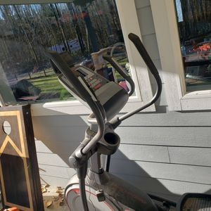 Pro-form Elliptical Machine Works for Sale in Lake Stevens, WA