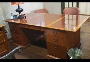 Office table for Sale in Dallas, TX
