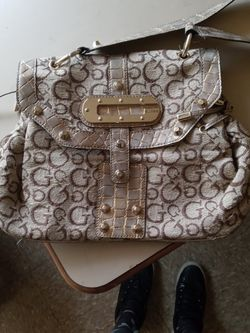Gold And Tan Guess Bag *NWOT for Sale in Cleveland,  OH