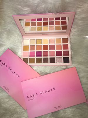 Eyeshadow palette for Sale in Pasadena, TX