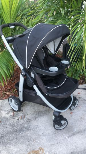 Graco stroller for Sale in Port St. Lucie, FL