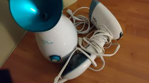 Nano Ionic face steamer and fabric steamer for Sale in Las Vegas, NV